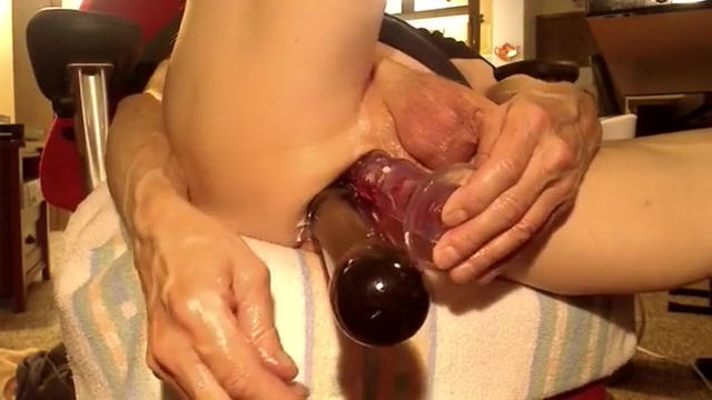 2 dildos in my horny butt Singapore call girl