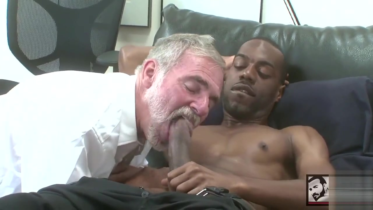 black guy fucks silverdaddy Tripson the great ass