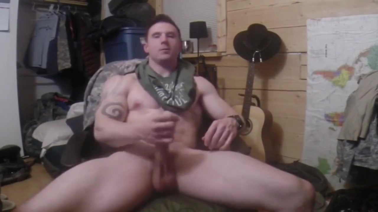 Muscle hunk jerk off on cam hot sexy boob babes