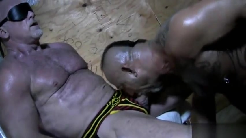 Big dick bear oral sex with cumshot video porno gay pelosi