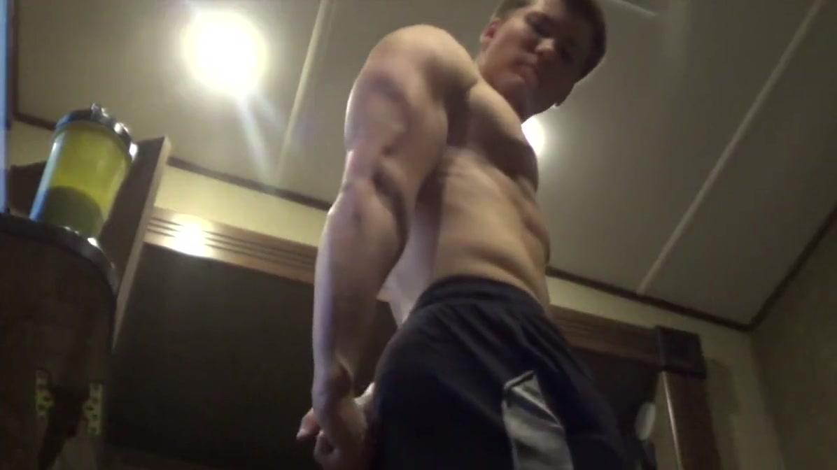 Muscle God Mike - Giant Bodybuilder Teen big boobs tiny bikinis nude sex