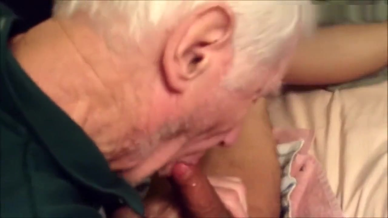 Fucking and breeding an elderly man snow white free porn