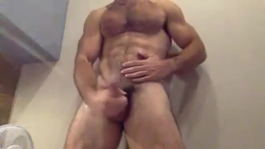 espanol musculoso cachondo sucking big white dick