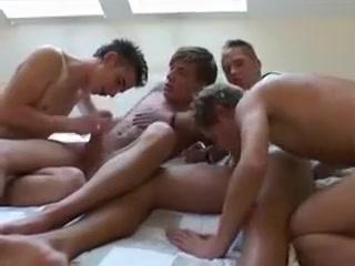 Bare Fun 4 Boys Hot Mom Nude Photo