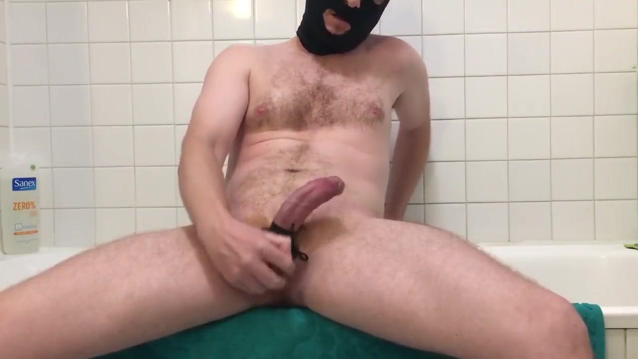 Je joue avec mes couilles et je jute! largest free tube porn