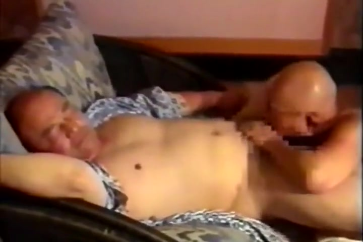 japanese oldman Horny blonde helping her girlfriend to cum