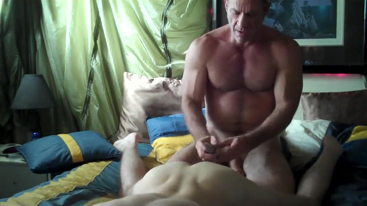 Growly dad films himself breeding the lawn boy preggo eutersau casey deluxe beim hausputz porn tube video