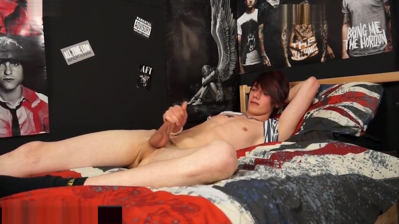 ALTERNATIVE LADS Teen slut naked sexting pics