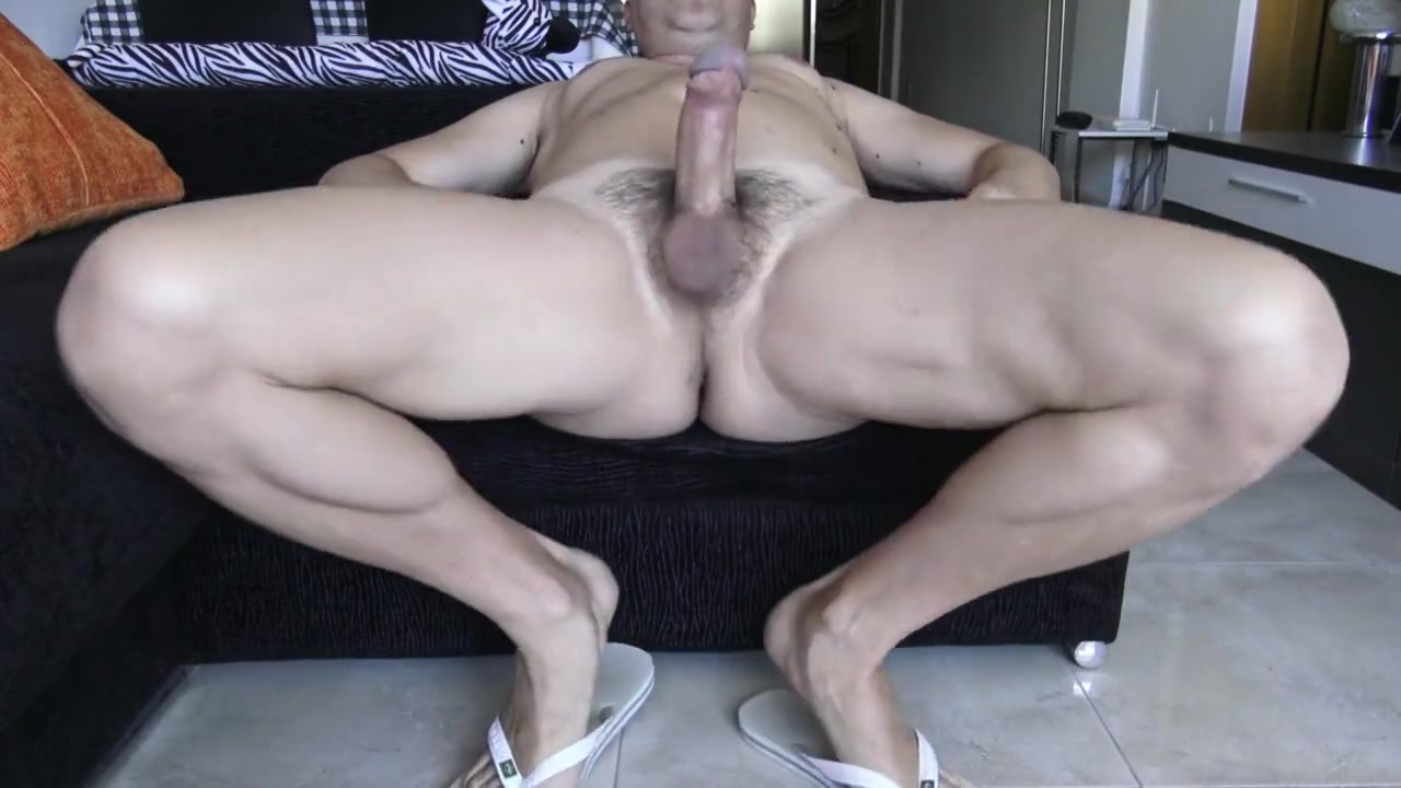 STRAIGHT MUSCLE GUY CUM SHOT 4K MONSTER COCK MASSIVE THIGHS MUSCLED LEGS Meet with love