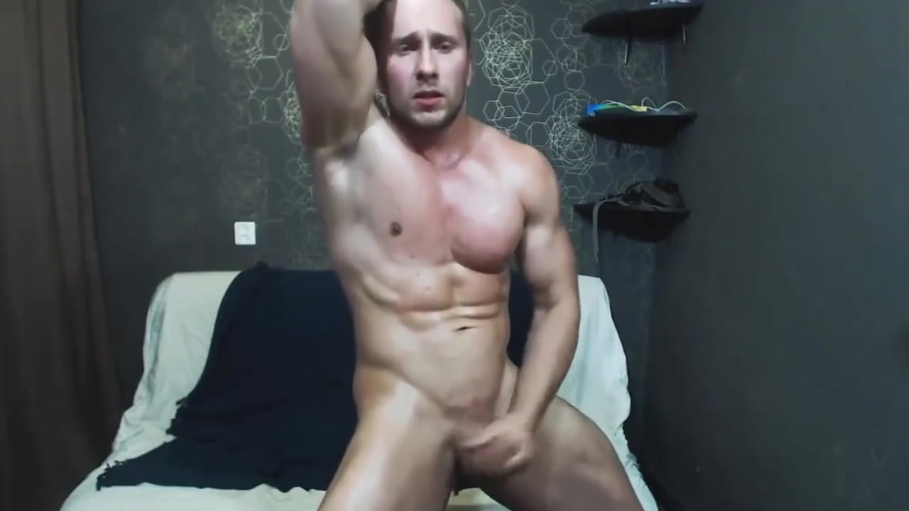 Muscle stud jerks off on cam doll blow up fuck