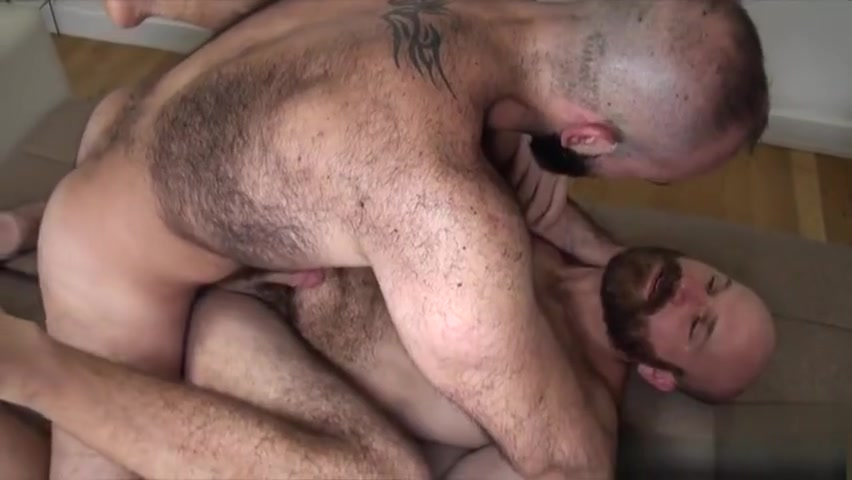 Hairy bear bareback with cumshot missing mom porn video