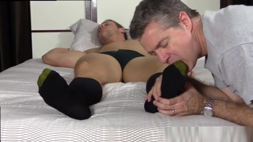 Sleepy Kenny Gets Foot Worshiped Japanese lesbian GUNDAMSEX