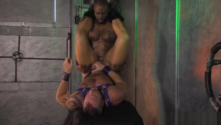 Muscled black biker jizz Uncut Bbc Makes White Pussy Cream