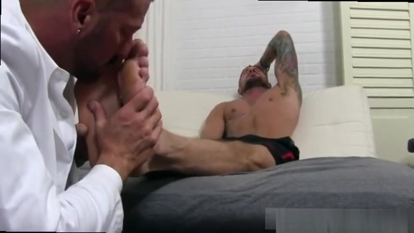 Dolf gets his feet worshiped sex offender look up