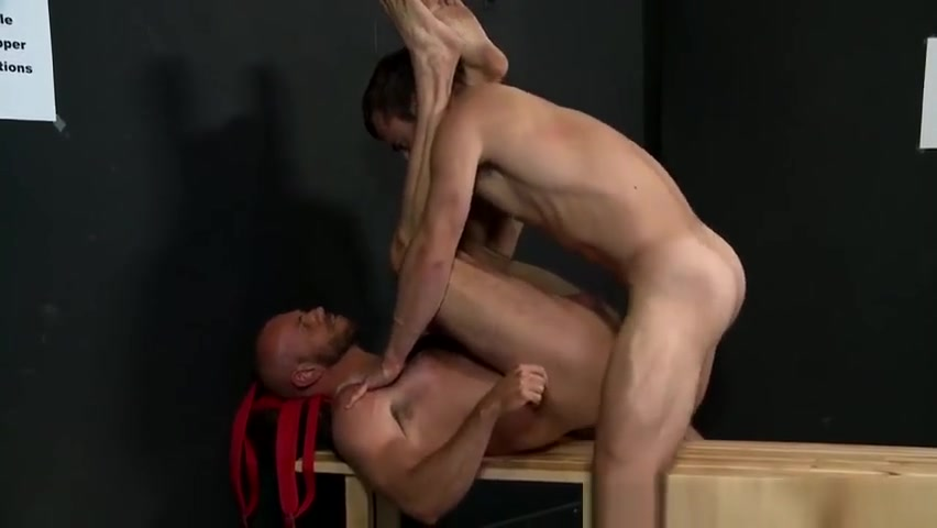 Matt Stevens found a perfect stripped in a hot Mike Gaite Come to me place tonight for some deepthroat in Seoul
