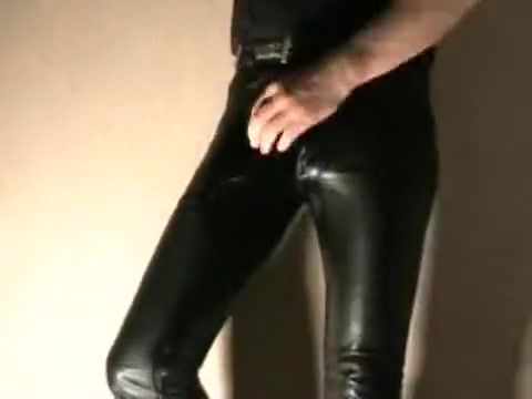 Pissing and stroking in leather jeans Nude girls dancing gif