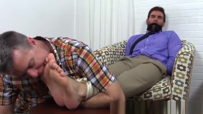 Chase is quickly gagged and tied for foot adornment Imlive live