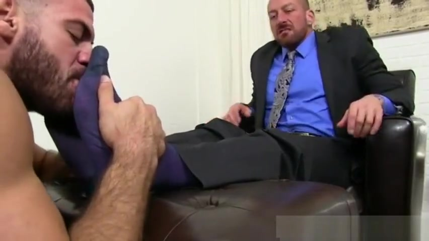Guy gets his feet massaged Finggered To Orgasm