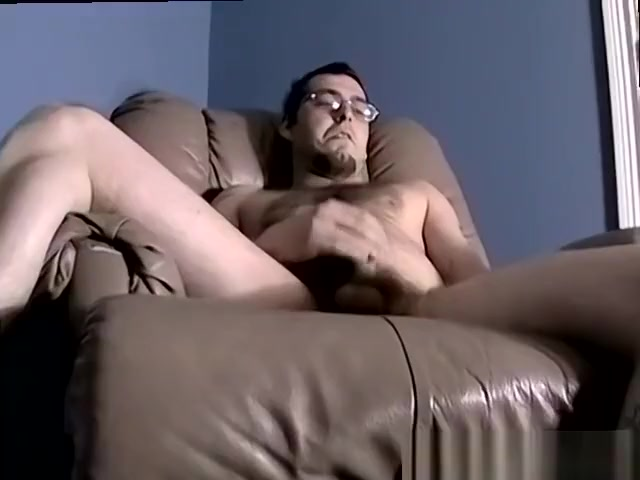 Brunette guy tugging dick & getting sucked Down to fuck in Aland