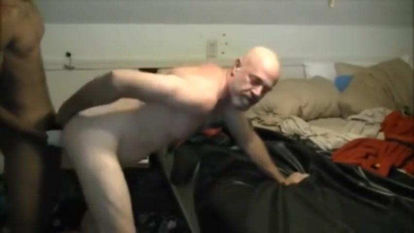 A daddy le gusta poner el culo a los negros Nude hot reality kings pic