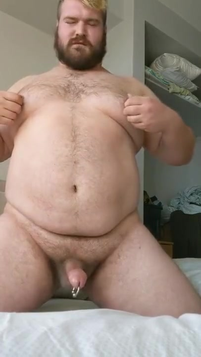 Musclechub jerks off cum in his wife