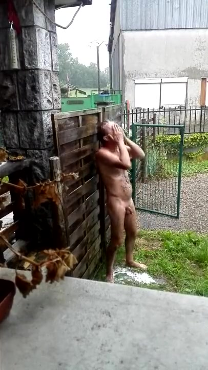 Shower in the storm bbw bent over pussy