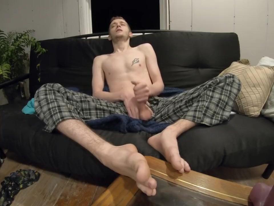 Hot Teen Cums on Feet dick mills pitching program