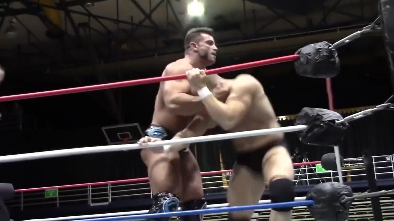 Hot Wrestling Men: Cage vs Mondo Mia Khalifa Three Some 4k