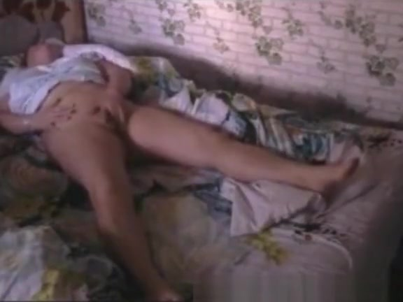 My mature mom fingering pussy. Hidden cam frequency of having sex