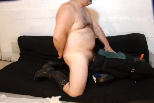 A Bear & His Fleshlight II Amateur couple Fucking