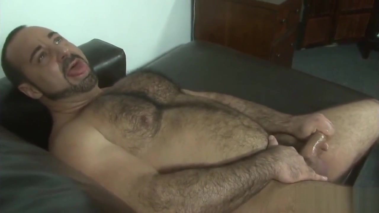 Strong muscular bear daddy beautiful giant bootylicious ass