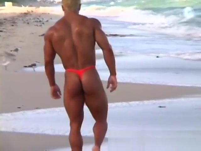 Gay Bodybuilder Joshua Fred! Thong on the beach! Lesbo doxies use various toys