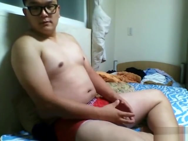 cam11 Girl touchs checking for erection