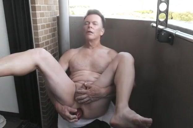 Summertime Semi-Public Asshole Play and Wank jessica biel nude galleries