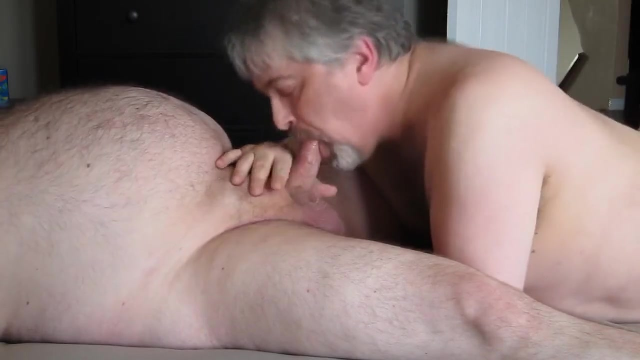 CHUB DADDY BJ free hot naked milfs in the shower sex videos
