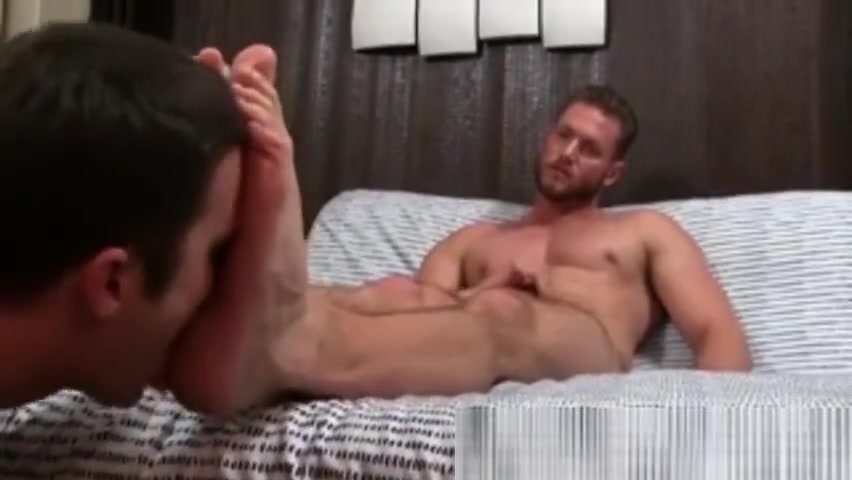 Feet worship After gym real gay black porn