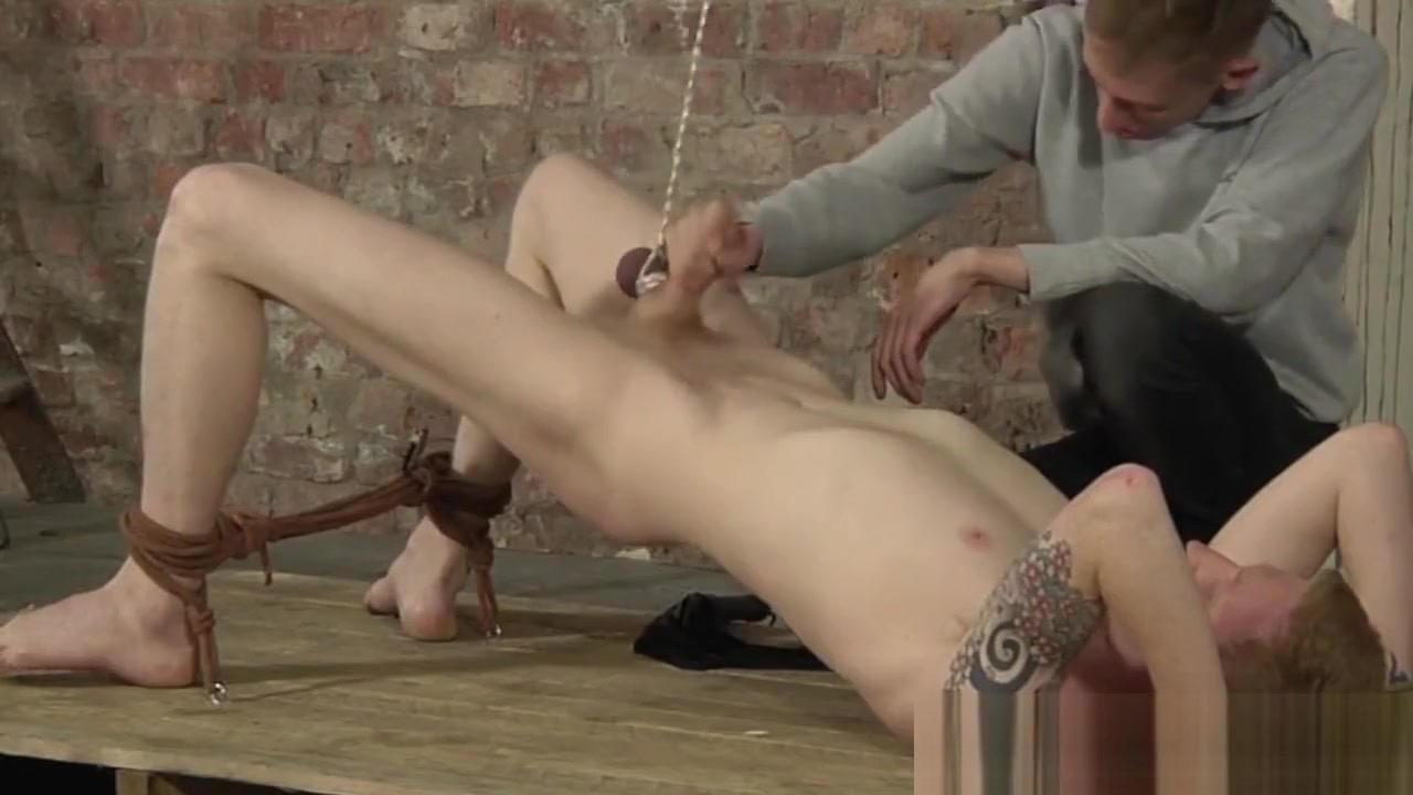 Horny Levi Stephans cums at the same time as his maledom how to finger a vagina