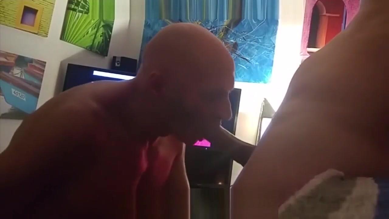 GARGANTA PROFUNDA EN SESION DE MASAJES shooting of a porn movie