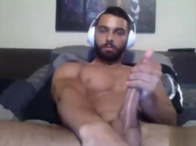 A Gay American Dude Plays Live On Cam Wedding gangbang pic