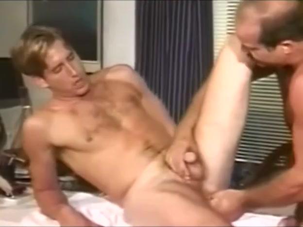 [VINTAGE]PROFESSOR DADDY FUCKS STUDENT Free sex video 69