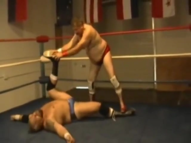 Ursa Major VS Barrio Bruiser: Bear Wrestling (Vertex Wrestling) Spank art powered by phpbb