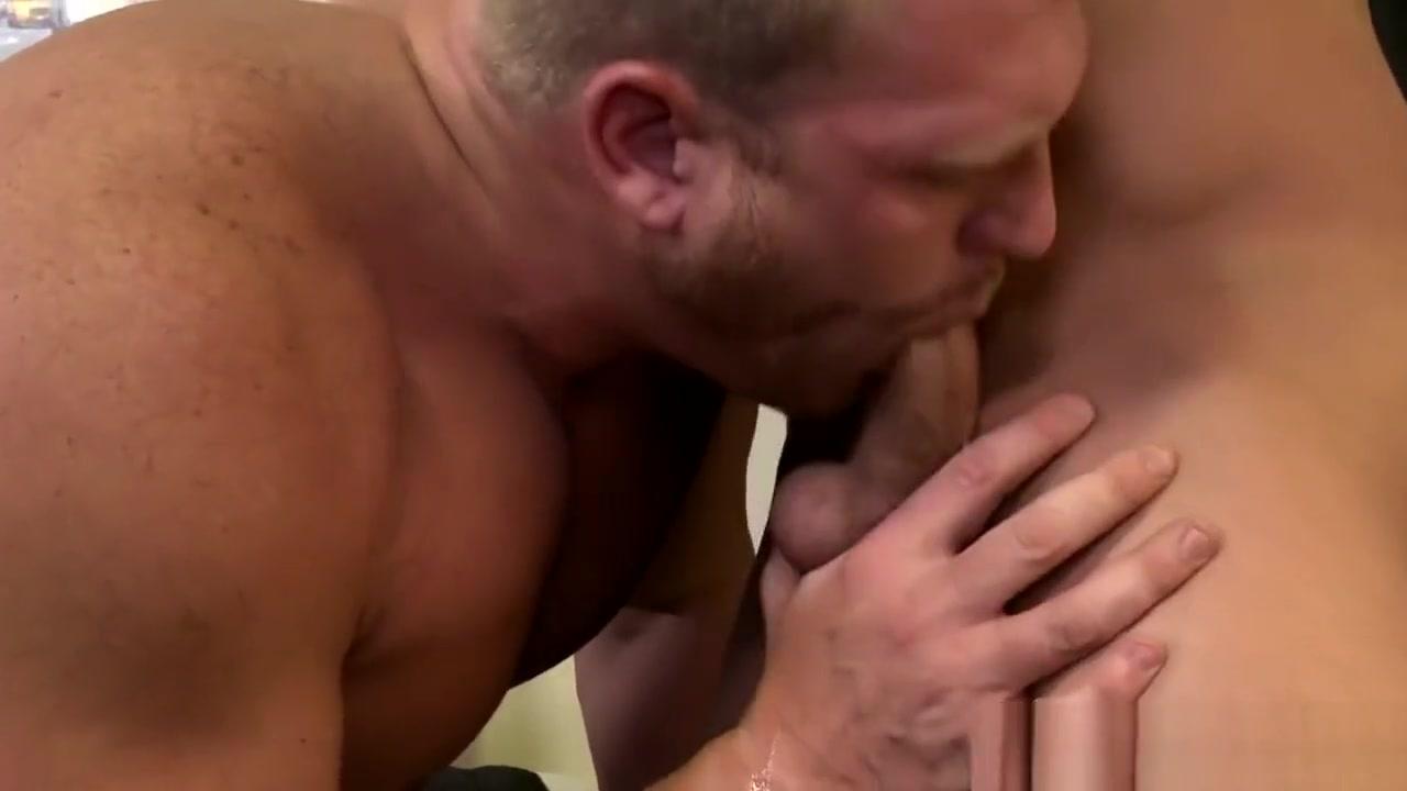 Sucking stud gets banged Women puseey having sex