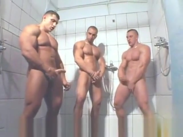 3 MUSCLE SOLO IN SHOWER Big cock tiny asshole