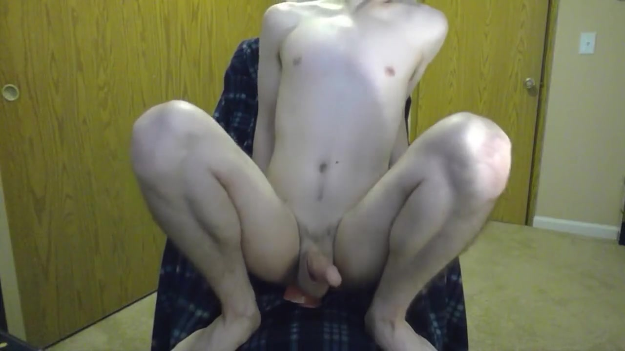 Riding a Dildo in the Office Amateur clothing model submissions