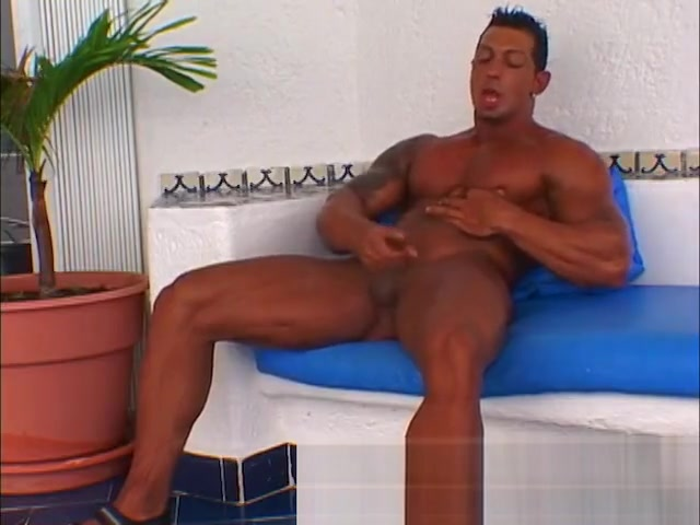 Ezequiel Martinez Naked! Muscle Naked! Signs you are losing your best friend