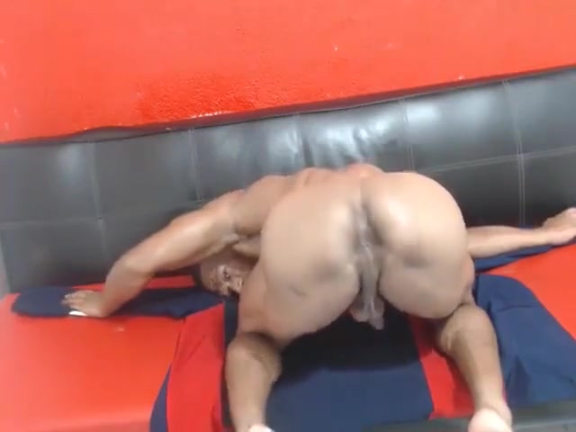 360 Muscular Amy s perfect ass and tits