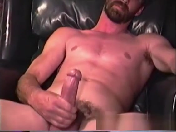 Mature Amateur Cliff Jacking Off Style float bottom