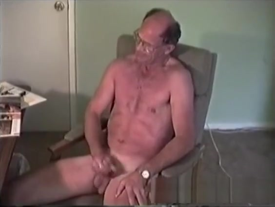 Mature Amateur Richard Jerking Off free sex videos onlin