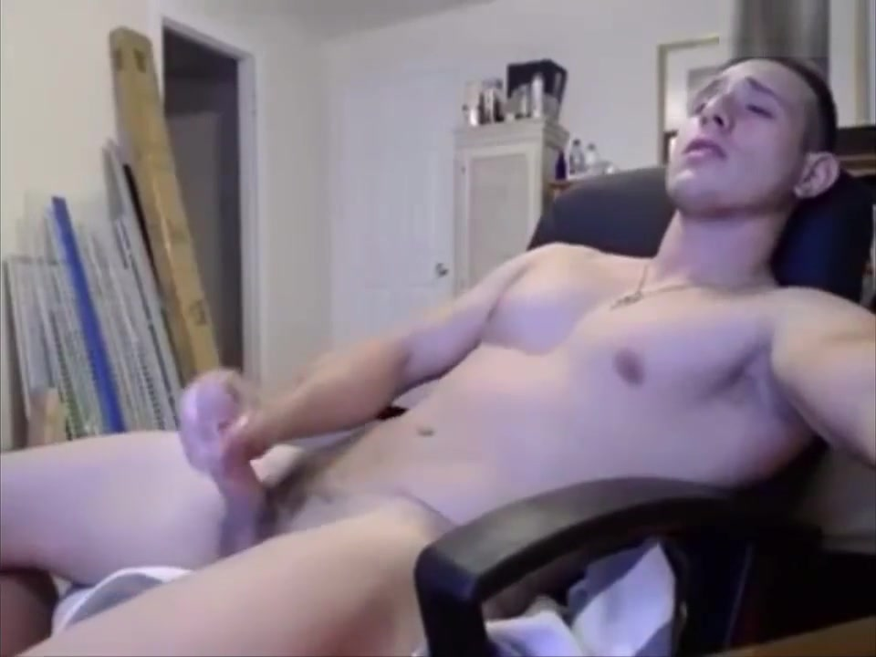Incredibly HOT Straight Chaturbate Guy Pt. 2 -Cums Dating al