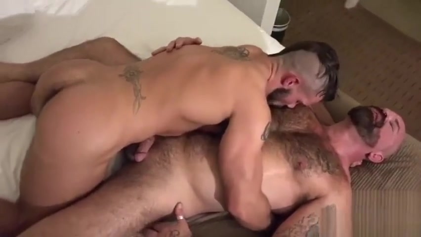 Muscle bear bareback and cumshot Wife lets a stranger cum in her ass porn